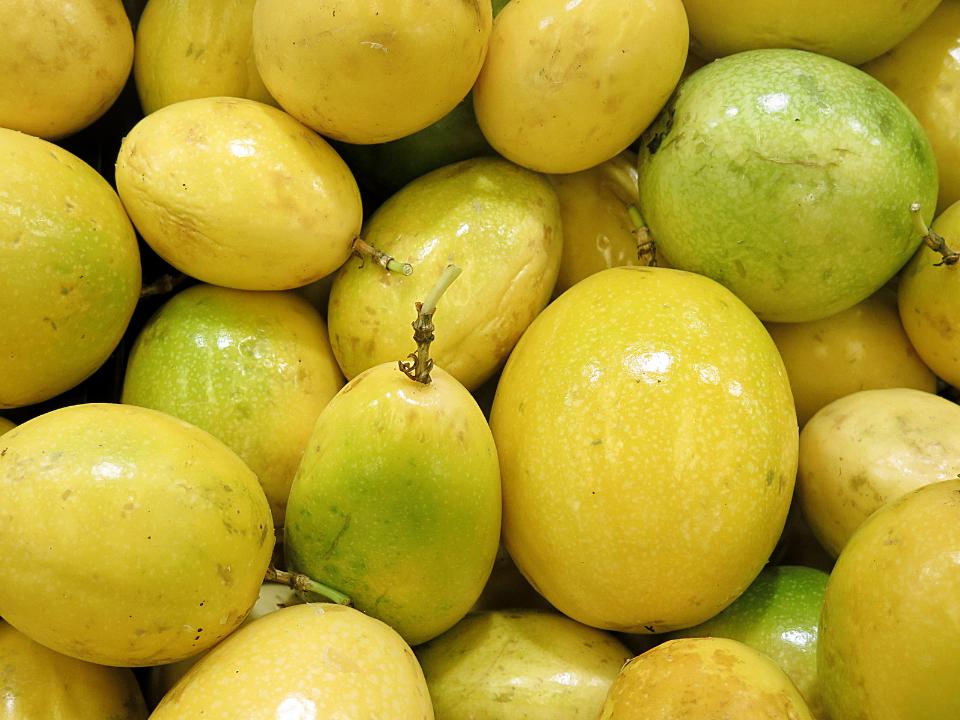 Remoção de Cromo Hexavalente via Adsorção em Casca de Passiflora edulis (Maracujá Amarelo)