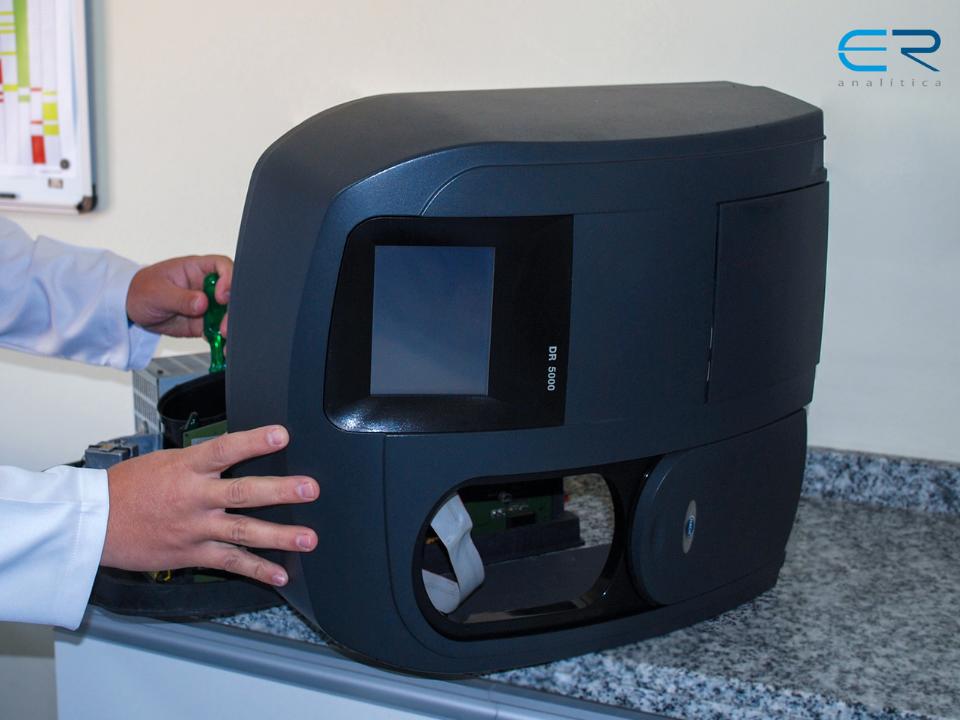Como é realizada a Manutenção Preventiva de Espectrofotômetros na ER Analítica?